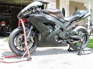 2004 Yamaha R1 Track bike tons of track parts possible part out