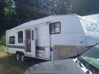1997 25th anniversary 5th wheel with hitch and brackets