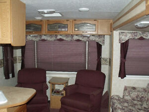 2005 29' Cougar Trailer For sale or Trade for Camper. Prince George British Columbia image 4