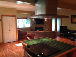 $2500(ORCA_REF#993C)Ground level Suite 1300sq/ft Furnished 2 bed North Shore Greater Vancouver Area image 5