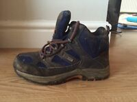 Size 3 Ladies Walking Boots
