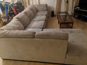 Large Sectional Couch / Sofa GREAT DEAL to move it by AUG 30th!
