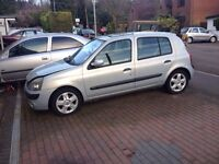 RENAULT CLIO 5 DOOR IN SILVER MV632 2004 BREAKING 1.2 16v ENGINE DYNAMIQUE SPORT V6 DAMAGE SALVAGE