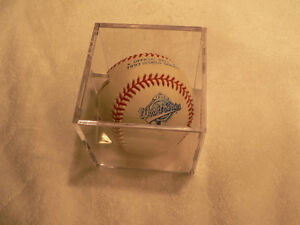 Pat Borders World series signed ball