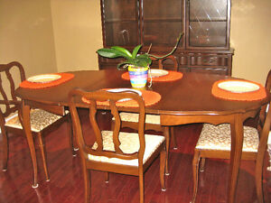 Malcolm Table set with Buffet and Hutch Oakville / Halton Region Toronto (GTA) image 3