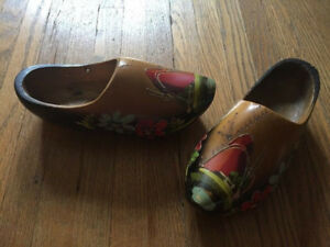 Vintage DUTCH WOODEN SHOES CLOGS Carved Painted Windmill