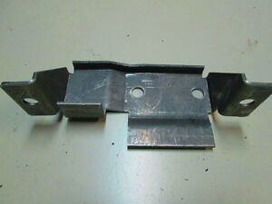 65-70 Mustang Sway bar frame mount West Island Greater Montréal image 2