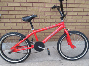 red mountain bike.like new no rust no scratches