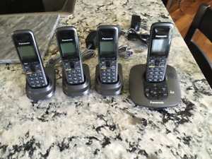Panasonic answering machine with 4 handsets