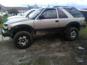 Hey I am selling a 2003 zr2 blazer