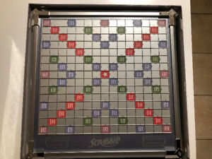 Platinum Turntable Scrabble Game (English) – Complete