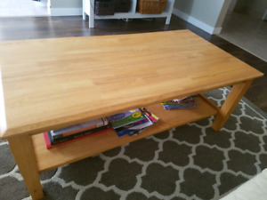 Coffee table and end table NEED GONE BY FRIDAY $40!!!