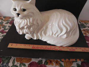 Ceramic Cat ( Reduced Price) to $35.00 West Island Greater Montréal image 5
