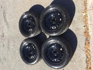 Winter Tires/ Pneu d'hiver  215/60/R16