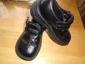 Girl's black shoes size 7 , used only few times  Both $6