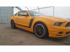 2013 Ford Mustang Boss 302 Coupe (2 door)