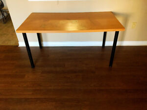 Table with low price