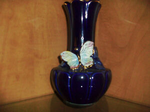 Dark Blue fine porcelain vase with butterfly Cambridge Kitchener Area image 2