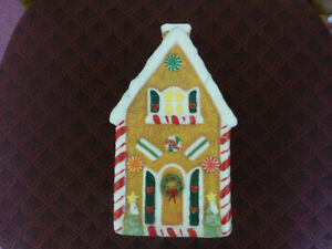 Christmas Gingerbread House Wax Candle - like new condition Kitchener / Waterloo Kitchener Area image 1