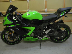2013 KAWASAKI 636 MINT ONLY 4100 KMS