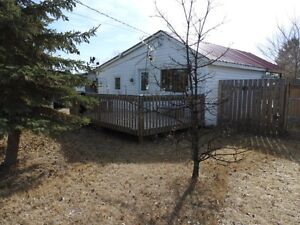 4 Season with large fenced back yard at Jackfish Ref # 150138