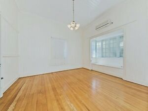 Room to Rent - EAST BRISBANE / NORMAN PARK Norman Park Brisbane South East Preview