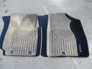 Two molded front floor mats for Hyundai Volester