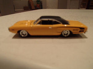 "HOT WHEELS '70 PLYMOUTH ""HEMI"" SUPER BEE RUBBER TIRE LIMITED EDI"