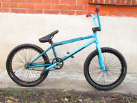 PREMIUM GIANT BMX / GREAT FOR XMAS AT 1/2 PRICE OF NEW