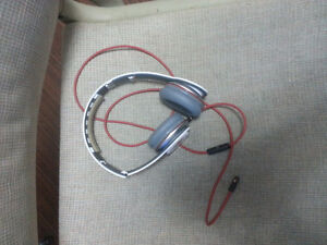 White Beats by Dre London Ontario image 2