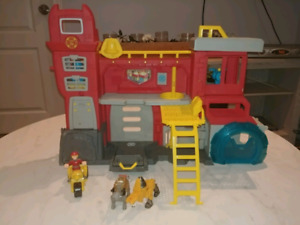 Transformer Rescue Bot Set with characters and vehicle.