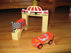 Disney Pixar Cars Mega Bloks 7767  Flash Lightning McQueen et s