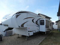 2013 - 28RDB Cougar X-lite 5th Wheel