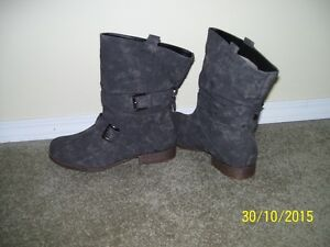 Womens Grey Ankle High Boot