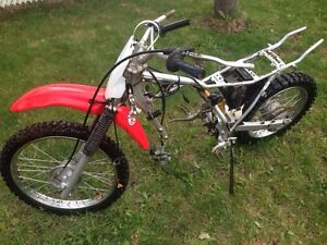 2006 Crf100f PARTS BIKE for cheap!