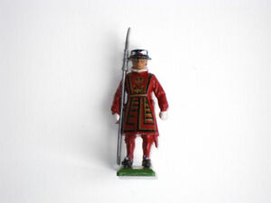 Vintage Britains Ltd. Toy Soldier Beefeater Guard from ENGLAND