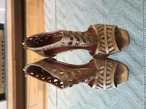 Authentic BCBG Generation MA-IVETTE Gold Women's Shoes Size 7.5M