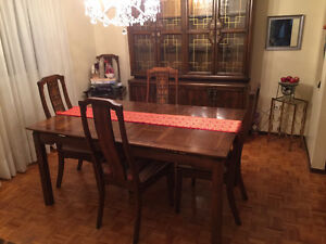 Dining Room Table, 6 Chairs & 2 piece China Cabinet