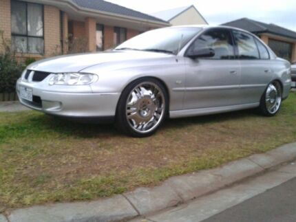 2001 VX COMMODORE EXECUTIVE **MUST GO ASAP** Melton West Melton Area Preview
