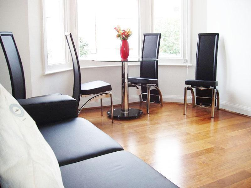 W9, 2 Bedroom flat in Maida Vale SEPARATE KITCHEN and RECEPTION room