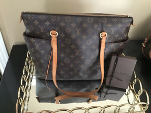 2ff5f825d43e Authentic Louis Vuitton Trousse 28 and Totally Mm MINT CONDITION