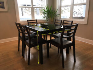 Modern Dinning Room Table (extendable) w/ 6 Chairs