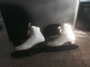 Figure Skates Riedell size 5 1/2 and Dress