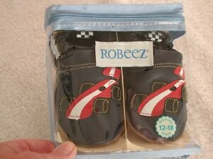 ROBEEZ NAVY BLUE RACE CAR SHOES SIZE 12 - 18 MTHS NEW IN BOX
