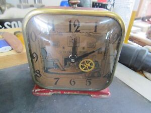 1940'S LUX CLOCK PICTURE SPINNING WHEEL ALARM CLOCK