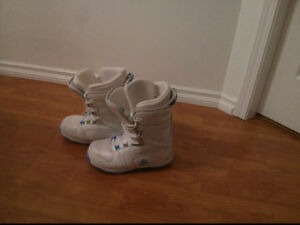 Women's Size 9 Firefly Snowboard Boots