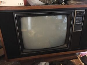 Retro rear-projection TV