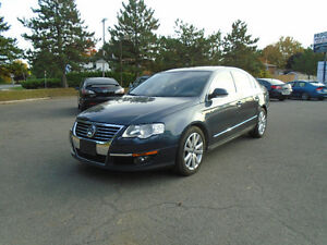 2007 Volkswagen Passat 3.6L, LEATHER, MOONROOF & HEATED SEATS.