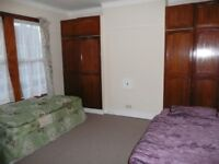 Nice room to share with a MAN to rent in Walthamstow, all bills included, free wifi, ID:228