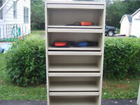 GOOD 5  DRAWER TOOL STORAGE UNIT